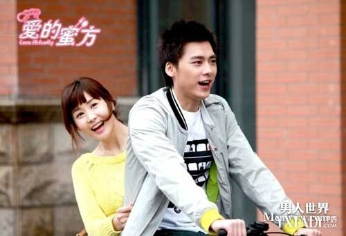 李易峰的现任女友是谁资料照片遭扒 李易峰的结婚照曝光怎么回事