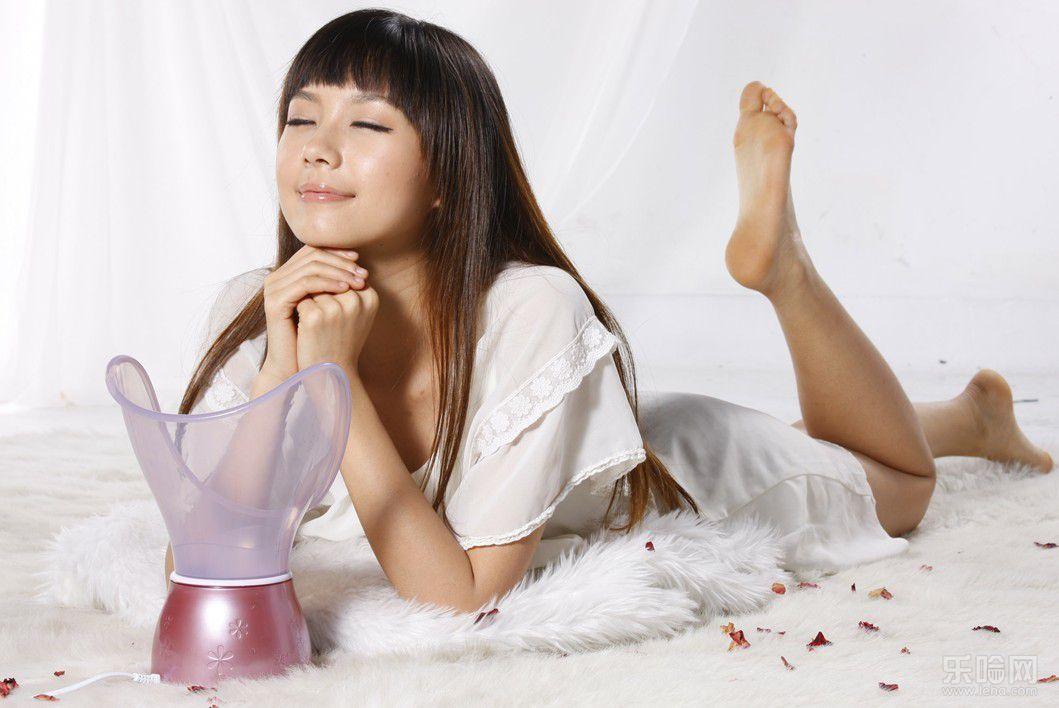 蒸脸器的好处和坏处有哪些 蒸脸器的最佳使用方法可以天天用吗