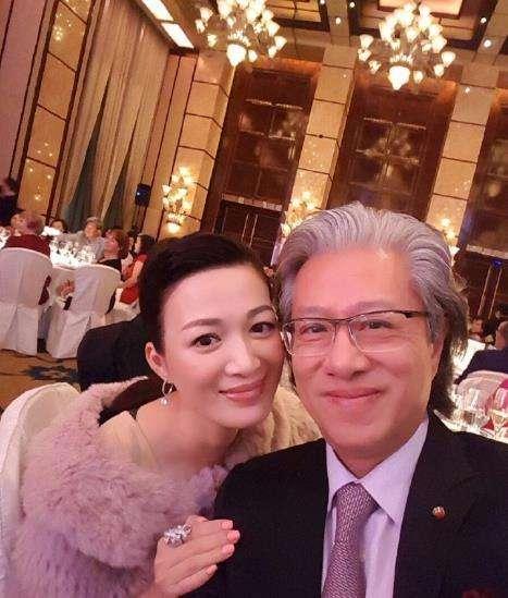 法拉利之父李文辉个人资料情史陈少霞老公李文辉结婚照现场曝光