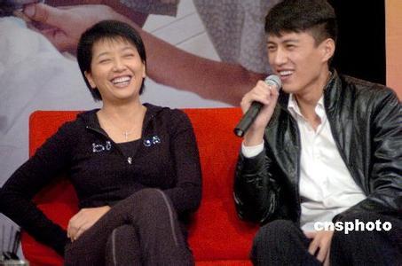 靳东个人资料第一任老婆江姗情史曝光靳东老婆李佳是二婚吗真相揭