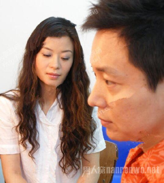 外科风云杨帆刘奕君跟张艺谋什么关系?刘奕君老婆是谁照是二婚吗
