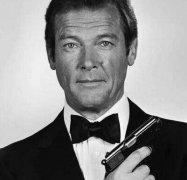 老版007罗杰摩尔去世什么病抗癌过程,罗杰摩尔年轻帅照几个老婆?