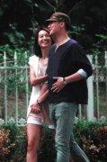 周一围朱丹结婚照私密激吻图遭扒 周一围为何娶朱丹真实原因揭秘
