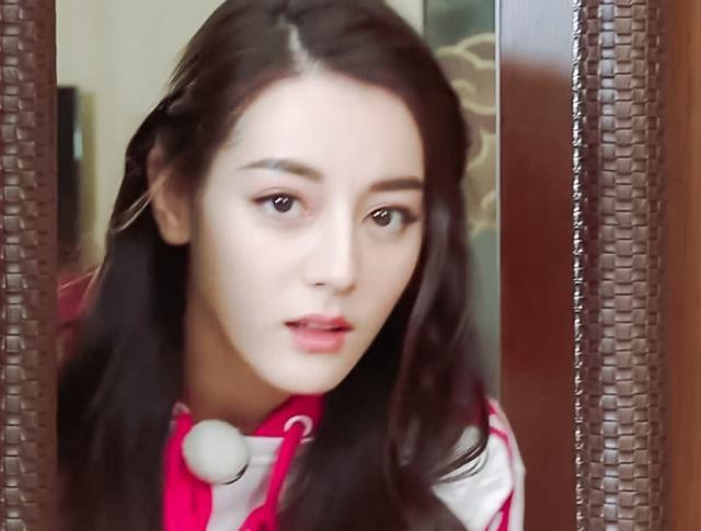 迪丽热巴告别跑男真实原因是什么揭秘 迪丽热巴和鹿晗亲吻照曝光