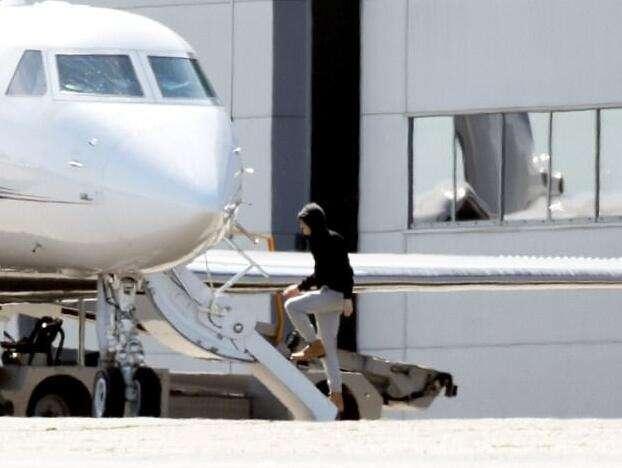 泰勒乔欧文乘私人飞机密会亲密照,泰勒会和乔欧文结婚吗咋认识的