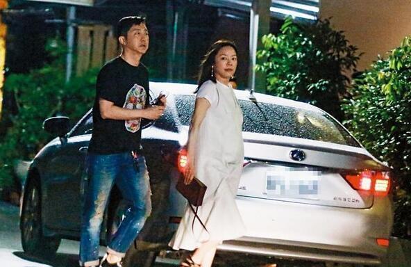 庾澄庆妻子张嘉欣照片微博个人资料曝光 张嘉欣怀孕绯闻情史遭扒
