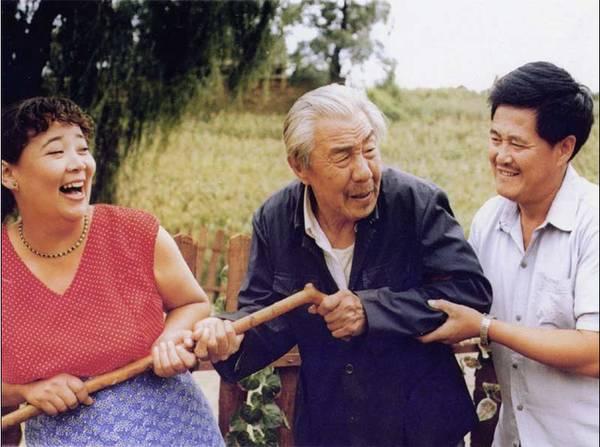 方青卓刘晓庆撕逼事件始末怎么对骂?方青卓现任是谁儿子是演员吗