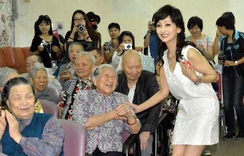 赵雅芝年龄62岁不化妆照片曝光赵雅芝为什么那么年轻不变老原因揭