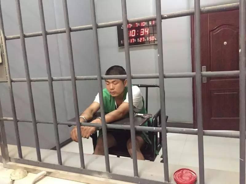 B级逃犯姚常凤极变态到底杀了几人?姚常凤生父坐牢原因怎么死的?