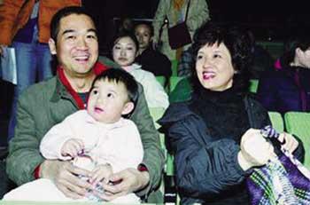 邓婕为什么不生孩子和前夫有孩子吗 张默与邓婕私下关系如何真相