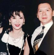 向太陈岚年轻照片出身情史曝光 向太陈岚潜过哪个男星内幕揭秘