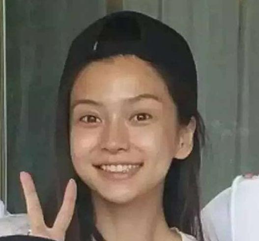 杨颖素颜照与化妆对比好丑图片 杨颖首度承认整容鉴定后变丑了