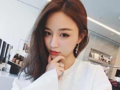 王思聪前女友雪梨遭富二代张衍求婚视频,张衍个人资料背景身家