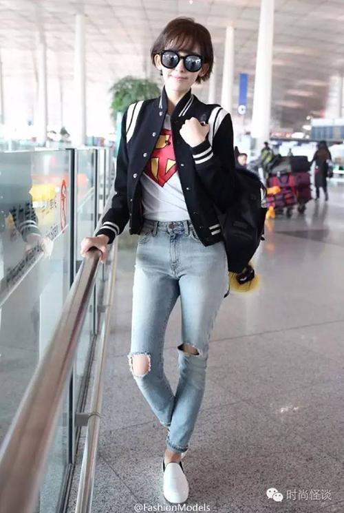 女明星机场照都是假的背后真相好尴尬,机场摆拍套路真假街拍对比