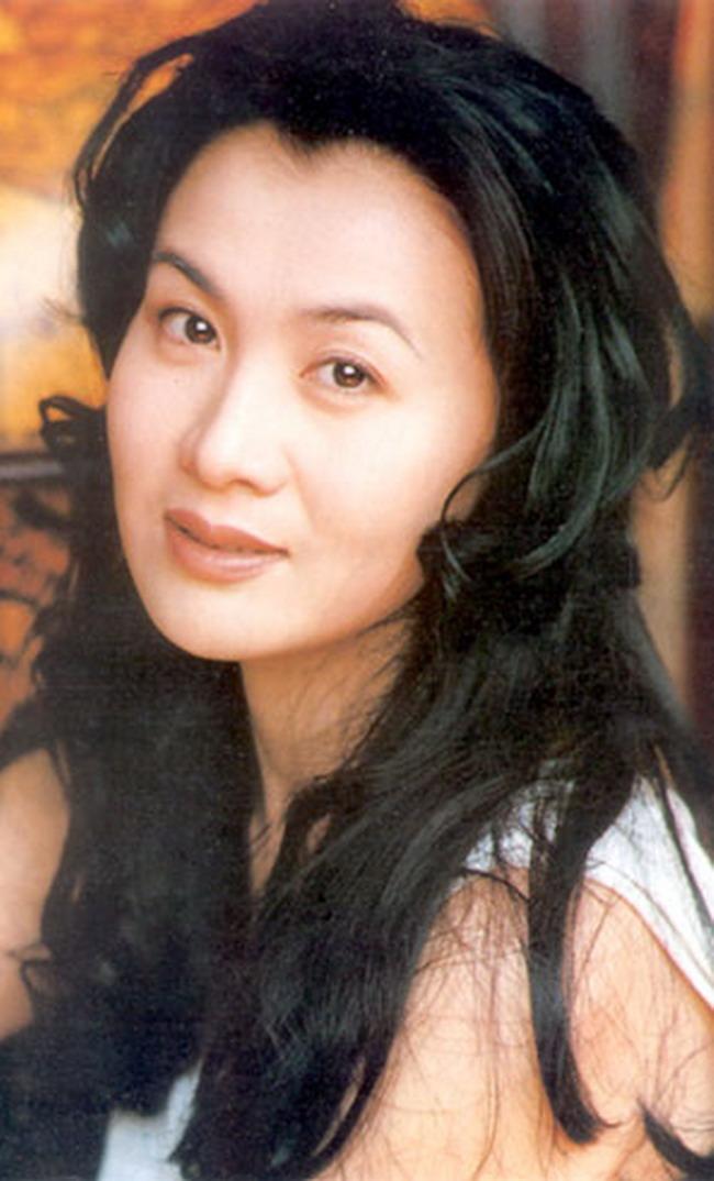 演员李媛媛生病化疗光头照死前抗癌过程,李媛媛遗容追悼会现场图