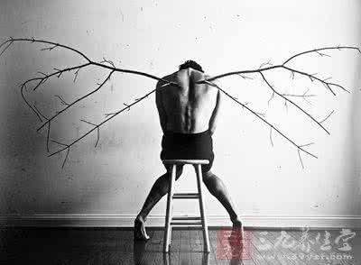盘点抑郁症自杀的明星都有谁?抑郁症的症状为什么都想自杀原因