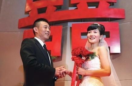 侯勇和前妻沈蓉离婚内幕现任妻子潘雨辰资料图, 侯勇沈蓉有孩子吗