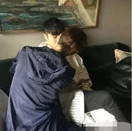汪苏泷徐良确认出柜私下接吻床照流出,汪苏泷家庭背景起底整容照