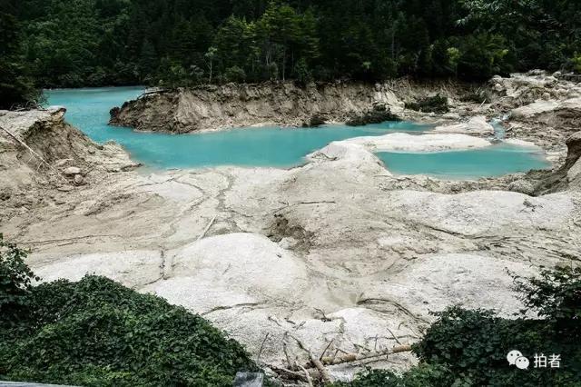 九寨沟火花海震出缺口没水了现状图,火花海水是勾兑的么怎么复原