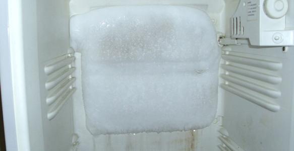 冰箱冷藏室结冰是什么原因?快速去掉冰箱结冰几个小窍门步骤图解