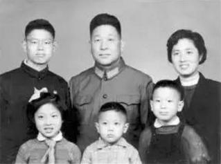 王健林老婆林宁简历背景父亲是谁 林宁和温宁是一个人吗真相揭秘