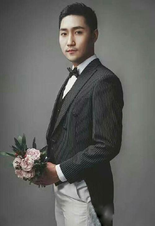 李晓霞领证结婚现场图9月10日婚礼最新消息, 男友翟一鸣个人资料