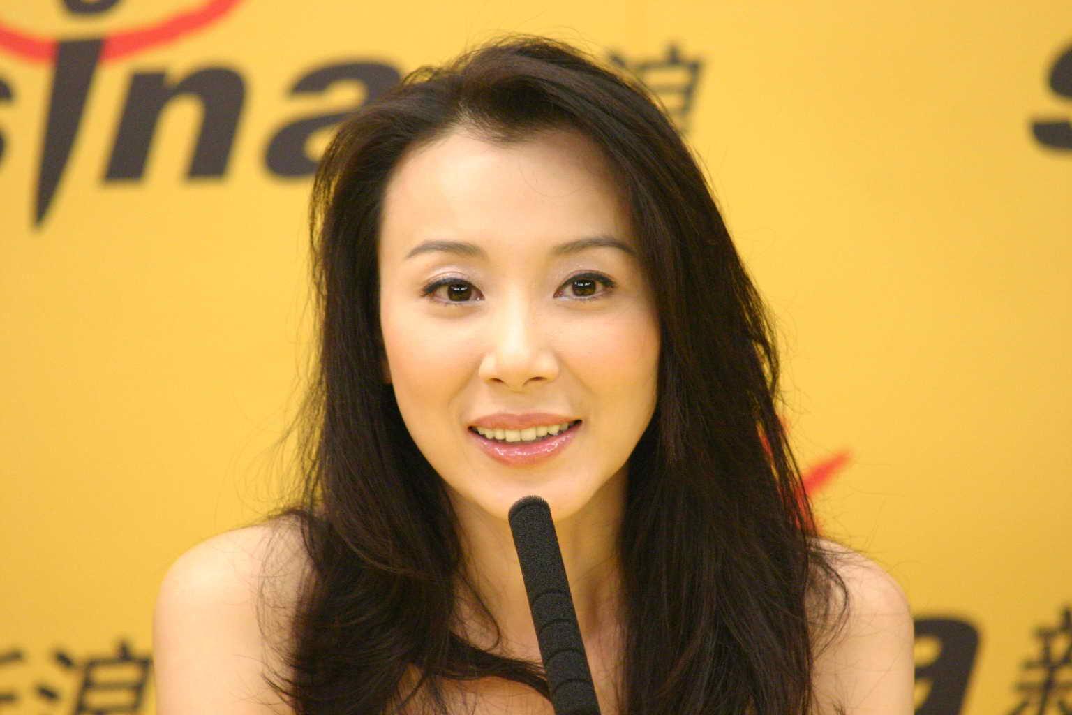 萧蔷老公是谁生了几个孩子现状揭秘 萧蔷和张菲的生活细节曝光