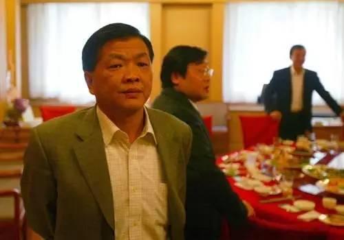中国足坛教父王国林踢球猝死现场视频得了什么病?王国林足坛地位