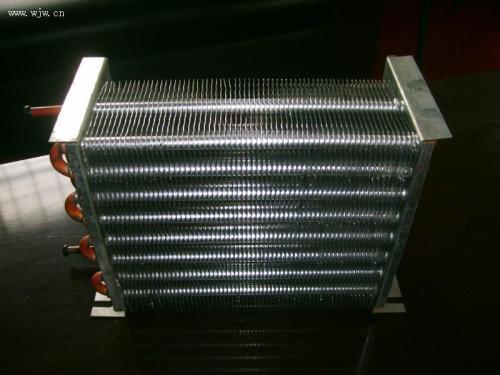 冰箱冷凝器在什么位置图清洗步骤图,冰箱冷凝器过热原因解决方法