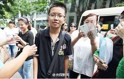 13岁上重点大学男孩姜敏迪是天才吗,跳级秘笈父母职业怎么培养他