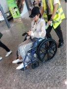 唐艺昕机场坐轮椅照片到底怎么了?唐艺昕是不是得了什么病?