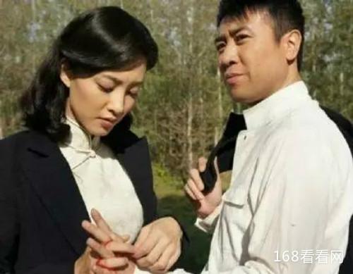 王丽坤于和伟情侣装接吻照曝光是真的吗 王丽坤于和伟分手了吗