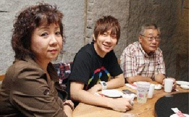 林俊杰家族背景惊人竟比王思聪还厉害, 父亲林远翔做啥的身家多少