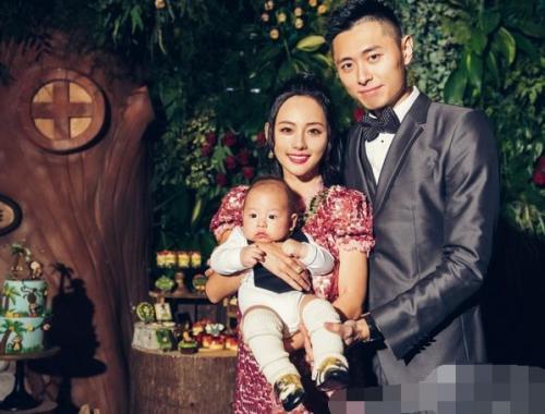 张嘉倪儿子居然一岁了正面照片曝光, 张嘉倪老公买超身份背景揭秘
