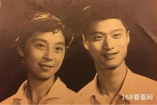 范冰冰父亲范涛多大年龄简介  范冰冰家世惊人父母真实身份曝光