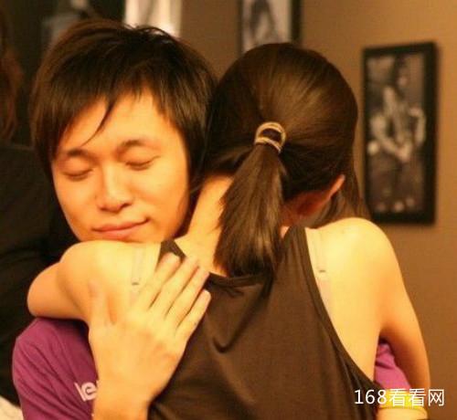 吴青峰和张悬什么关系接吻照曝光 吴青峰怎么看张悬事件始末揭秘