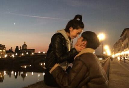 阚清子大纪凌尘多少岁在一起多久了?两人恩爱照片啥时候结婚?
