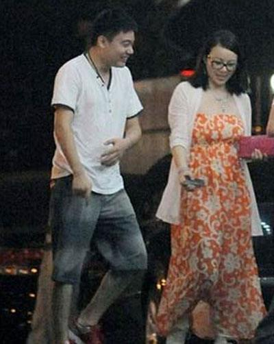 丁俊晖比老婆张元元小六岁吗怎么认识的?张元元简历微博很有钱吗