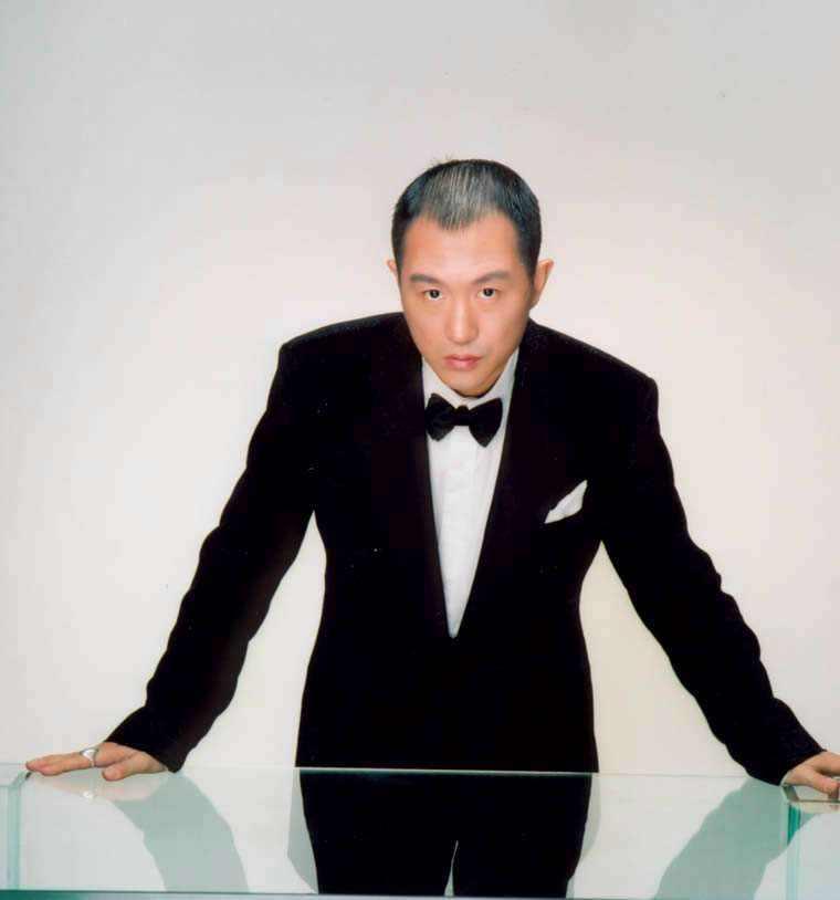 歌手高枫在医院最后遗容照片,最后一张专辑封面恐怖不吉利被克死