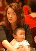 王志文为何娶陈坚红?陈坚红前夫照片干嘛的?陈坚红年轻泳装图片