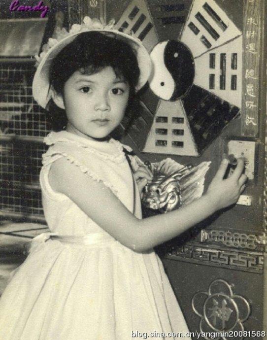 演员冯宝宝身世近照为什么不会老?1988年冯宝宝撞邪的事怎么疯的?