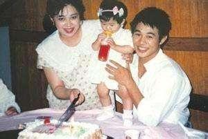 李连杰抛弃前妻两个女儿遭报应 李连杰前妻黄秋燕的现任老公照片