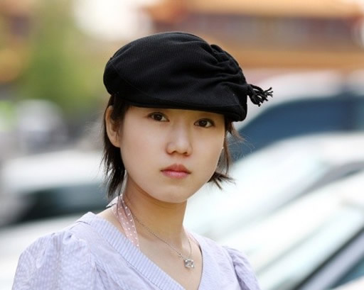 张筱雨的代表作品 爱戴帽子的张筱雨