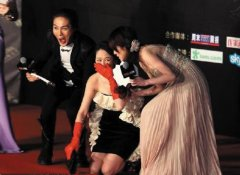 明星尴尬出丑瞬间,娱乐圈走红毯摔倒的十大女星盘点