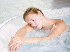 夏季油性皮肤如何护理,夏季女人皮肤保养秘诀