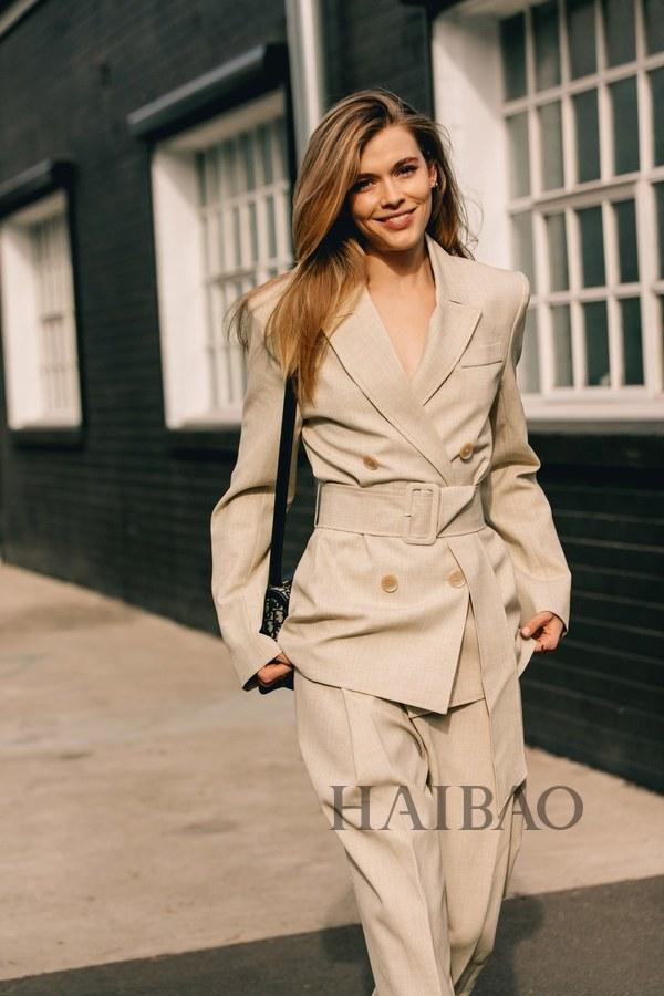 2020早春澳大利亚时装周秀场外街拍特辑:时髦与实穿兼得是她们的
